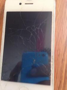 iPhone 4 cracked screen still works great