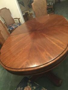 Dining room Table Chairs and China cabinet Kitchener / Waterloo Kitchener Area image 3