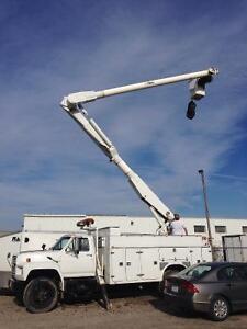 Altec bucket truck high reach