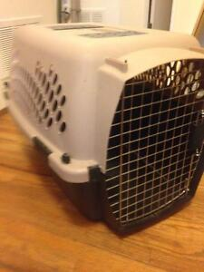Pet carrier/ crate small dog