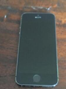 IPhone 5s 16GB silver Telus or koodo Good condition