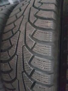 4 pneus d'hiver 185/60/15 Nokian Nordman 5, 40% d'usure, 7-8/32 de mesure