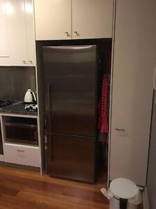 Fisher Paykel 403 Litre Fridge - pick up in Balmain this week Balmain Leichhardt Area Preview