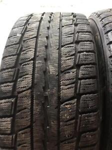 4 pneus d hiver 215/55r16 dunlop