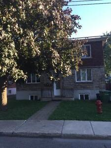 TRES BEAU ET TRES GRAND 31/2 RENOVÉ 1 BIG ROOM LACHINE MONTREAL
