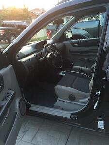 2005 Nissan SUV, very clean car. With set of winters Cambridge Kitchener Area image 8