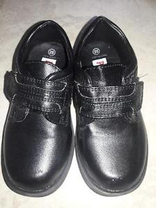 SLIPPER/SANDALS/BOOTS/SHOES FOR TODDLER SIZE8-9 Kitchener / Waterloo Kitchener Area image 8