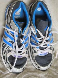 Boy's addidas sneakers size 3 1/2