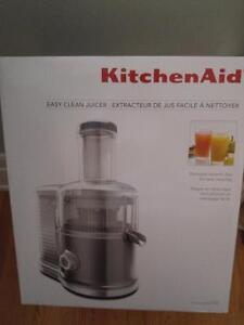 Kitchenaid. Easy clean juicer Brand New!!!