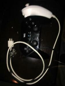 2 Wii controllers