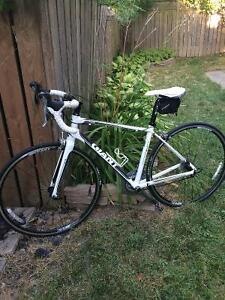 Giant Women's Road Bike For Sale - Mint Condition