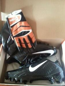 Nike cleats and cutters gloves