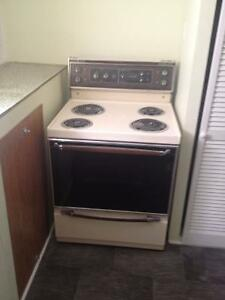 10 yr old Electric Coil Stove 30'