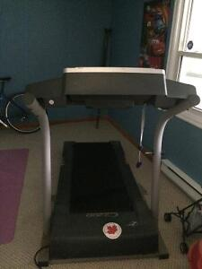 Treadmill, great condition, solid