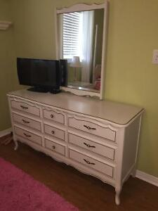 Cute white Victorian style single bedroom set with matching desk