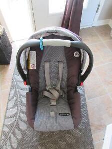 Siège d'auto pour bébé Graco avec base