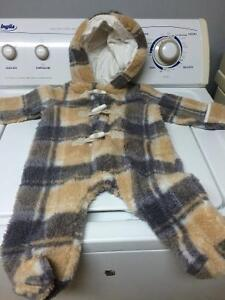 Snow suit worn once