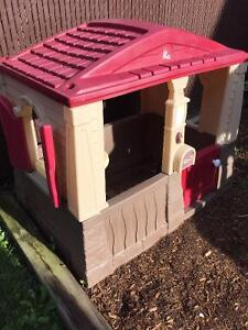 Step 2 Playhouse-Neat and Tidy Cottage