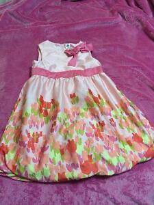 Size 4 - Peach/Pink Dress