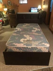Single Maid's Bed in Good Condition with Mattress Stratford Kitchener Area image 2