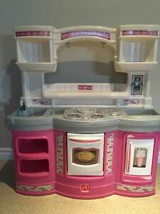 Step 2 Kitchen Buy Or Sell Toys Games In Ontario Kijiji Classifieds