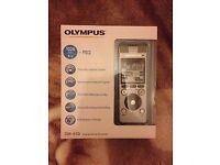 Olympus DM-650 Digital Voice Recorder + Olympus ME32 Compact Zoom Microphone **BRAND NEW**