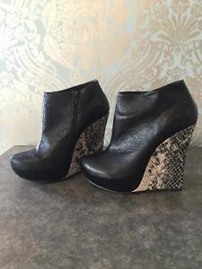 Wow chateau booties