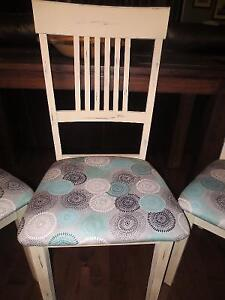 Annie Sloan Chalk Painted Table & 3 chairs London Ontario image 3