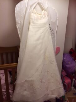 Pronovias Wedding Dress from Jenny and Gerry | Wedding | Gumtree ...