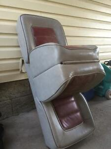 1 set of back to back boat seats