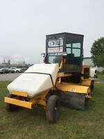 2009 Lay-Mor 8C Ride-on Sweeper