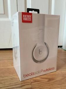 Beats Solo 2 On-Ear Wireless Headphones - White