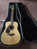 acuoustic guitar; left handed; Yamaha FG720SL