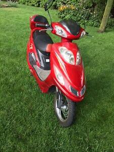 Vélo électrique Boao, style scooter.