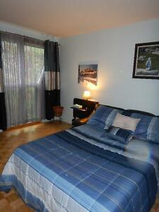 Sud-Ouest Chambre spacieuse - FEMME seulement
