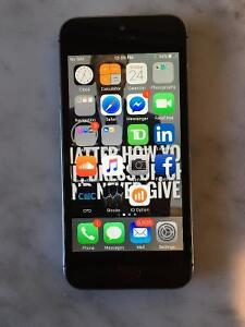 FOR SALE-IPHONE 5 S  16GB