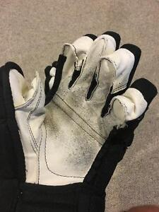 "Bauer 4 Roll Pro Gloves- Black 13"" Cambridge Kitchener Area image 4"