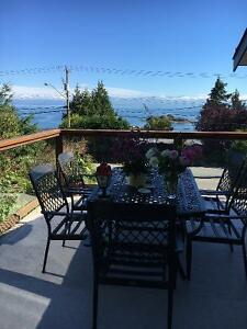 Nanaimo Oceanview Suite at Blue Bay House