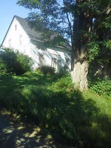 Lakefront Farmhouse 5 minutes from Mahone Bay, Perfect cottage