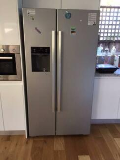 BOSCH side by side fridge with ice and water dispenser - Like New
