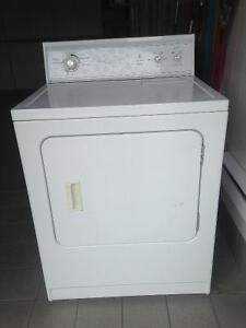 Kenmore dryer great condition St Dorthee Laval $75
