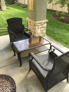 Patio furniture - 2 chairs + table
