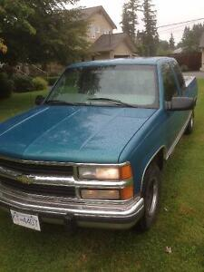 1998 Chevrolet Cheyenne Pickup Truck** Low Kms** OBO