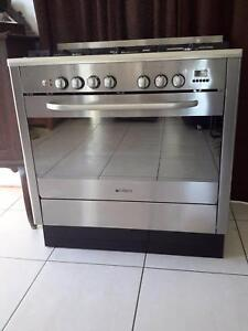 Emilia 90cm oven Crows Nest Toowoomba Surrounds Preview