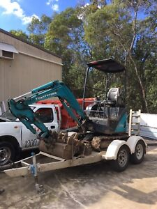 Excavator Helensvale Gold Coast North Preview