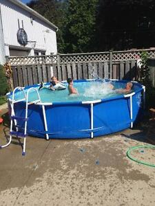 Kids pool with clorien oxonater