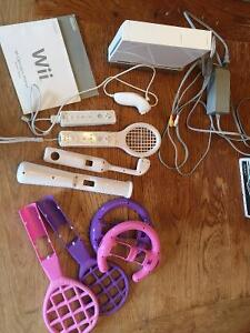 Wii including accessories but missing motion bar