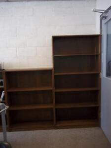 Étagère de bois Brun Foncé/ Dark Brown Wooden Bookshelf