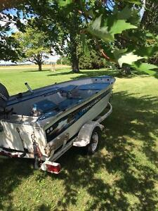 Boat with 25hp Johnson outboard motor London Ontario image 4