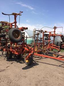 Bourgault 32 ft airdrill with 2155 tank
